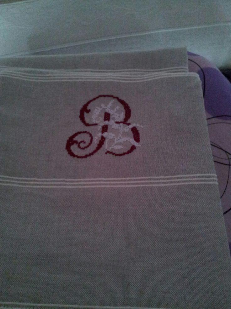 Asciugamani di lino sardo con monogramma