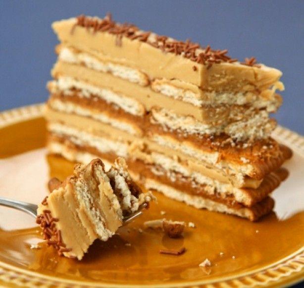 Heel eenvoudig te maken en super lekker; Metseltaart. Ga naar de bron...de 5e taart jammie...zoiets maakte mijn oma vroeger met pudding en kaakjes en afgewerkt met lange vingers...