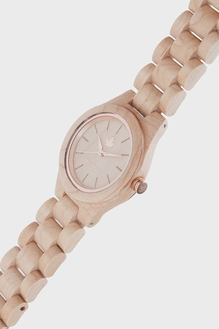 Maple Rosegold edition – WoodWatch FEMME Collection. Made of natural maple wood, finished with rosegold details. A stylish and elegant watch for her.