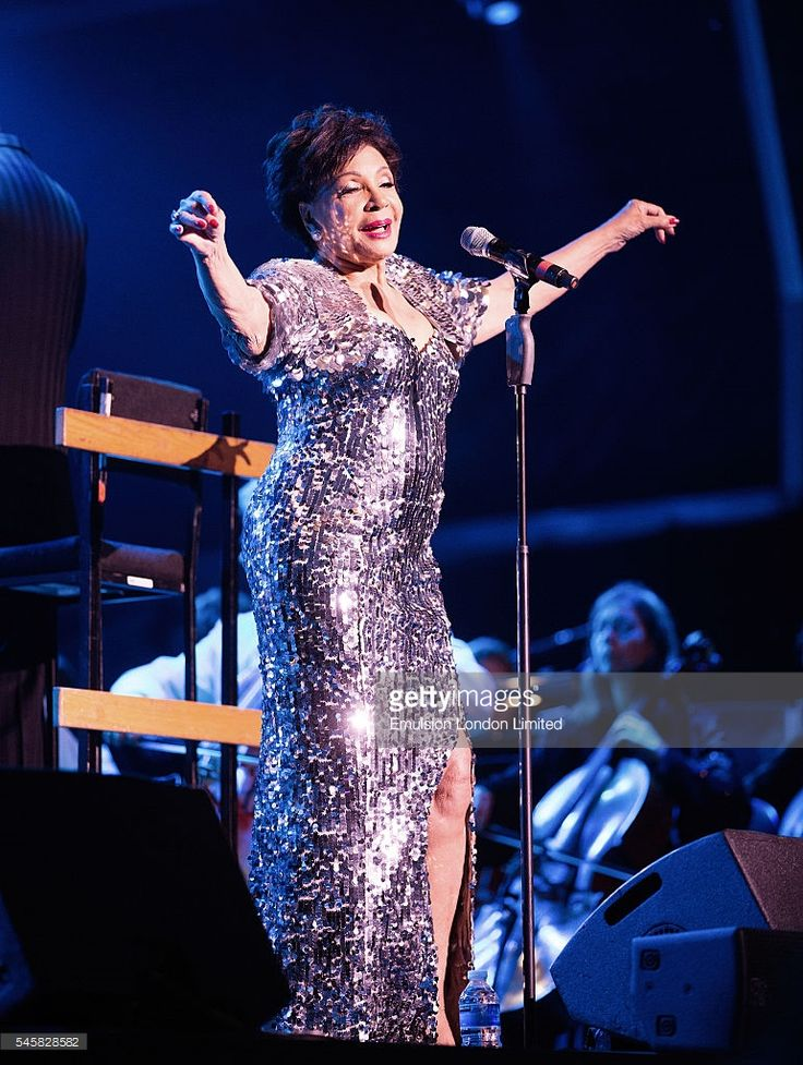 Shirley Bassey performs during The Henley Festival on July 9, 2016 in Henley-on-Thames, England.