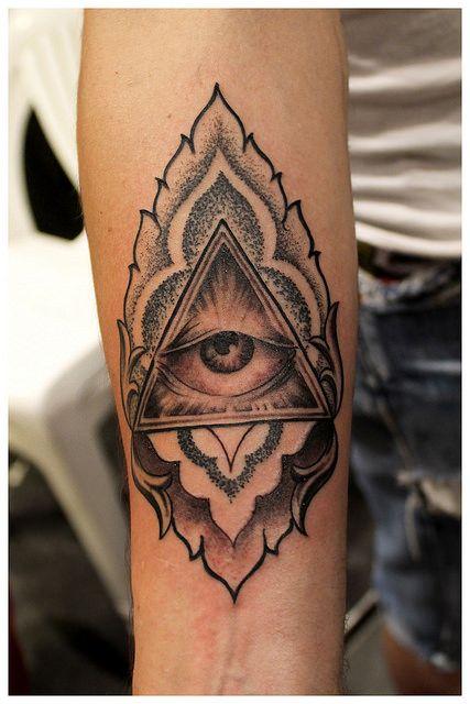 Eye tattoo, Tattoo By ALX TRAMP, Fisherman Tattoo Club à Aix en Provence