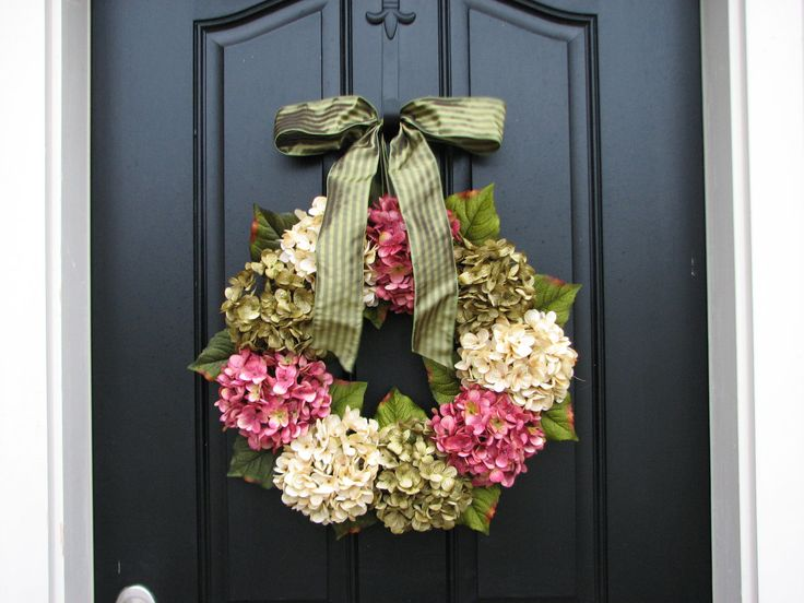 Spring Wreaths, Hydrangea Wreath, Spring Decorations, Online Wreath, Etsy Wreaths, Spring Hydrangeas, Spring Home Decor. $85.00, via Etsy.