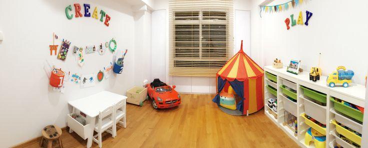 Playroom, DIY walls. Arts and craft display