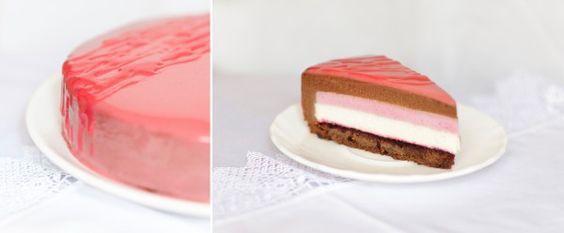 Очень нежный муссовый шоколадно-смородиновый торт! Попробуйте его и, поверьте, равнодушных не будет) Для любителей мороженного - смело отправляйте торт в…
