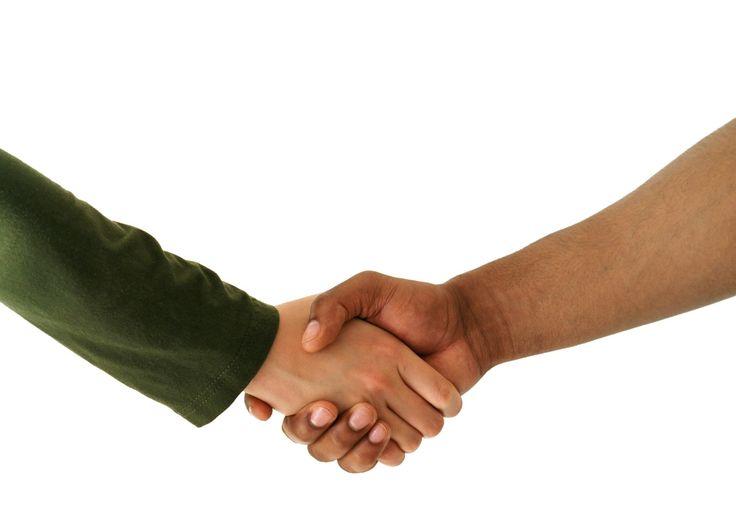 Memperluas Pertemanan - 27 Manfaat yang Jelas Akan Kita Dapatkan dari Ikut dan Aktif Berorganisasi Berdasarkan Pengalaman - Sumber Gambar www.teropongbisnis.com