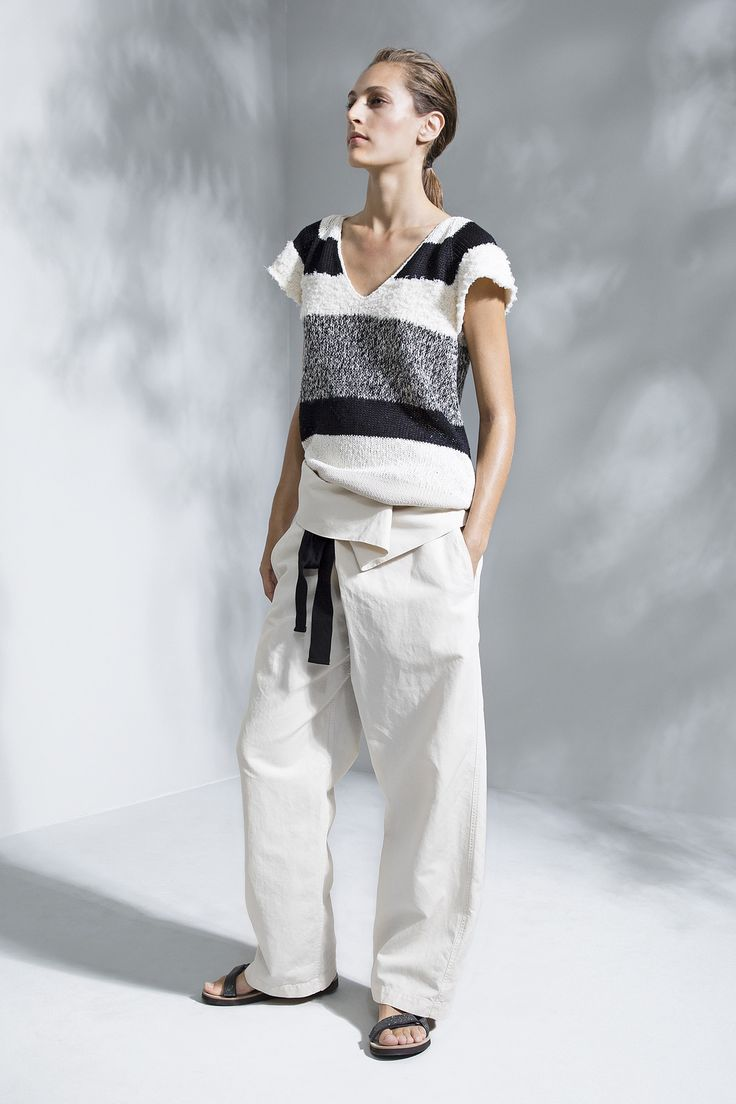 Brunello Cucinelli Spring 2016 Ready-to-Wear Fashion Show  ...super-cool yoga-inspired outfit, love it...