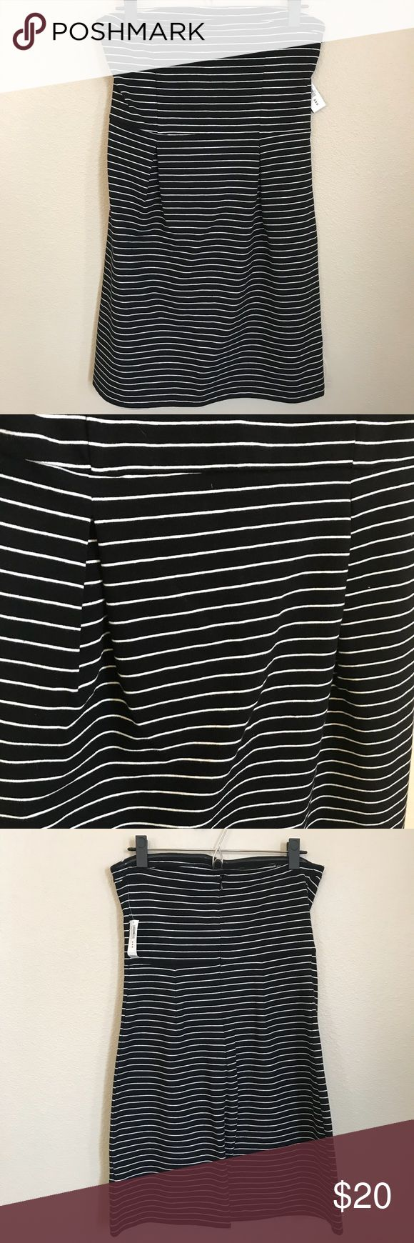 [Old Navy] Striped Tube Top Dress [Old Navy] Striped Tube Top Dress. Two front pleats Old Navy Dresses Strapless