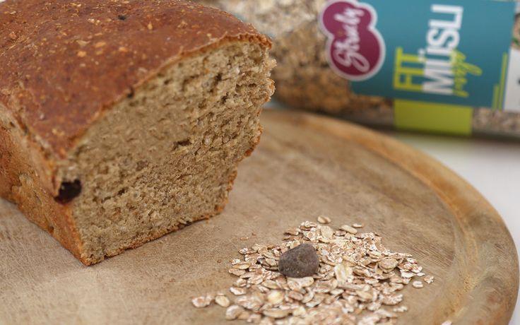 Ihr liebt Müsli und Brot?! Dann solltet ihr dieses Rezept unbedingt ausprobieren. Mit dem Fit Müsli von Stricly