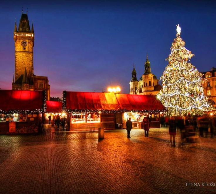 Chrismas market at Old Town Square in Prague, Czechia #christmas #prague #czechia #evening #advent Photo by Irena Brožová