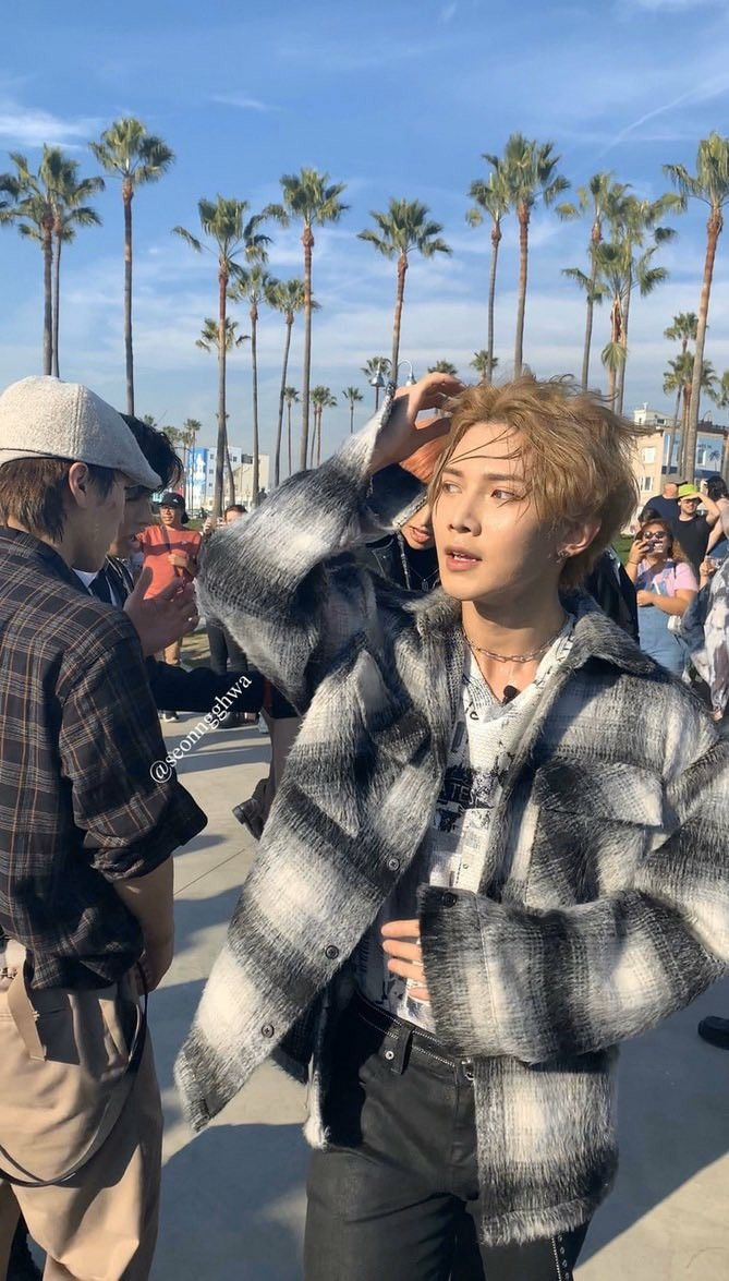 Pin By Bawraw Israel On Ateez Boyfriend Material Kim Hongjoong Pop Group