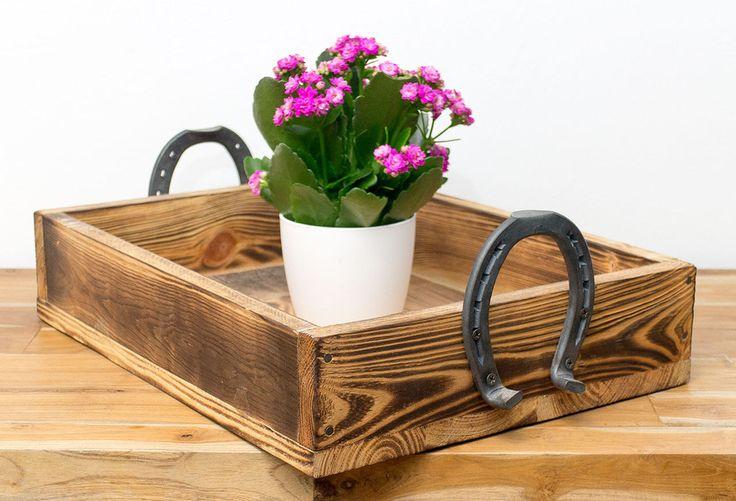 Weiteres – VINTAGE TABLETT MIT HUFEISEN, Holztablett – ein Designerstück von Ki…
