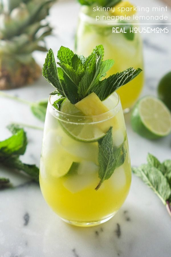 Skinny Sparkling Mint Pineapple Lemonade - Light, refreshing and will quench your thirst for a tropical drink!
