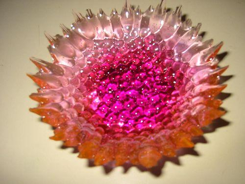 frpm beads: Beads Idea, Beads Crafts, Neat Idea, Beads Projects, Flower Gardens, Crafts Idea, Gardens Art, Sun Catchers, Melted Beads Bowls