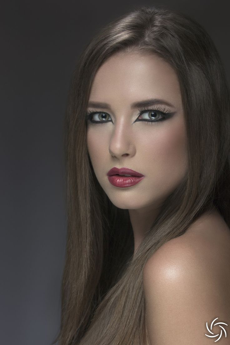 Model : Lidia Colojoara, Photo : Daniel Puscau, Retouch : Teodora Dimitrova