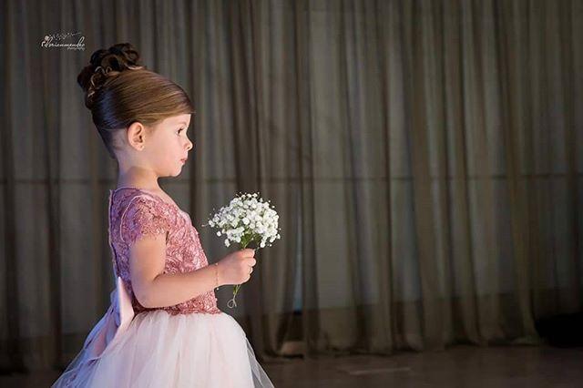 Uma linda Pequena Dama. 😍 #pequenadama  #castelodobatel