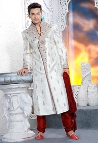 Wedding sherwanis usually tend to have embroidered collars and have been popularized in recent times
