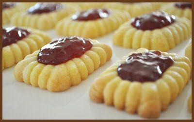 Brown Cookie Blog: No thumb, thumbprint cookies