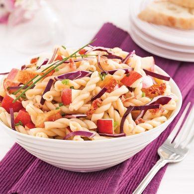 Salade de pâtes au chou rouge et pommes - Soupers de semaine - Recettes 5-15 - Recettes express 5/15 - express - rapide - Pratico Pratiques