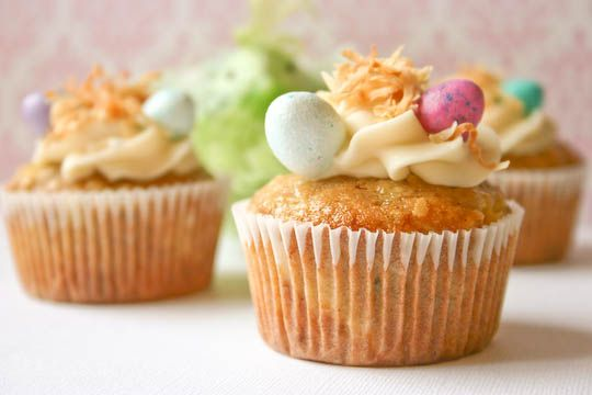 hummingbird cupcakes...right up @Becca Orchard's alley.  And, since we'll be together for Easter...