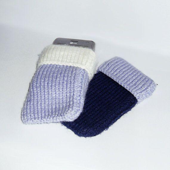 Mobiele telefoon hoesjes in violet en wit of violet en door DonutDuo, €4.00