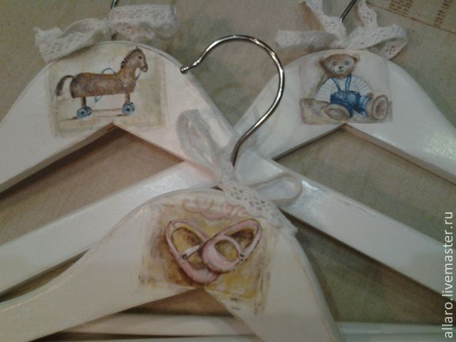 Купить Вешалочки Воспоминания... - белый, вешалка, вешалка для одежды, вешалка в детскую, игрушка, винтажный стиль