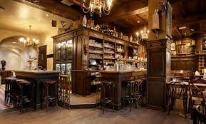 Cafedeklep.nl: Wie in Venlo bijzonder bier wil drinken, komt al snel uit bij Preuf & Praotlokaal 'De klep'. Een keur aan speciale bieren en twee bieren uit eigen brouwerij!