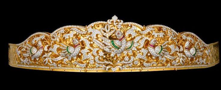 Jewellery Designs: Vaddanam in Dancing Peacock Design