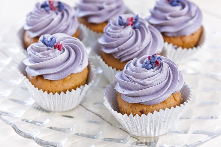 Delicious cupcakes by #ARIAFineCatering
