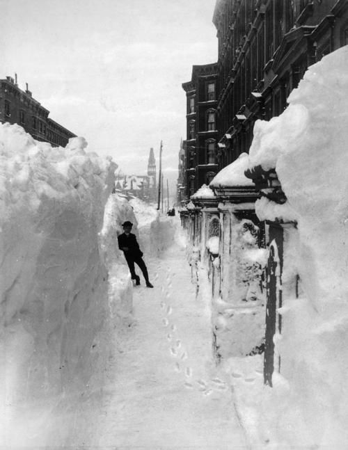 New York, blizzard of 1888. Unknown photographer.