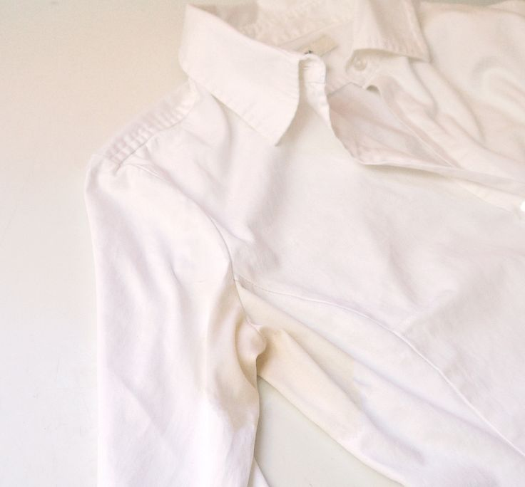 How to Remove Sweat Stains From White Shirts - natural solution (vinegar, hydrogen peroxide, baking soda, salt).