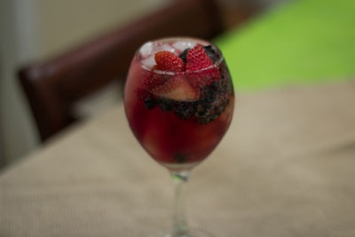 Sayonara Summer: A Straight-From-the-Garden Labor Day Menu: Red Wine Spritzer, Low Alcohol Summer, Summer Cocktails, Tinto De Verano, Wine Glass, Happiest Mom, Adult Drinks, Red Wines, Sangria Recipes