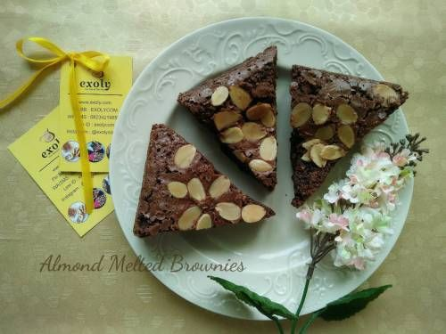 Almond Melted Brownies