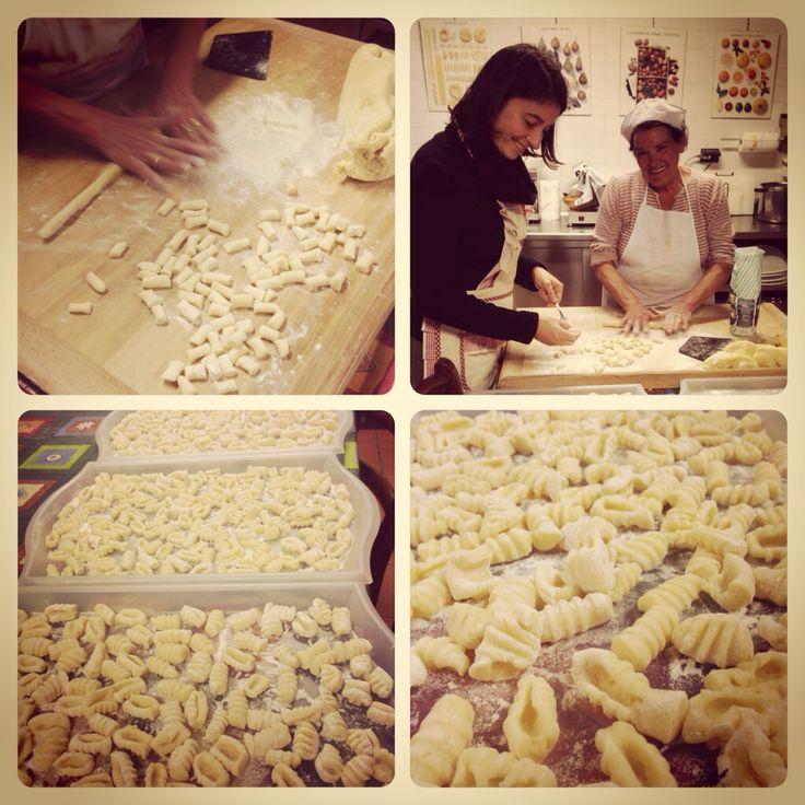 Making gnocchi at the Agriturismo Tenuta la Pila. http://www.tenutalapila.com/tenutalapila/index.php/it/ristorazione