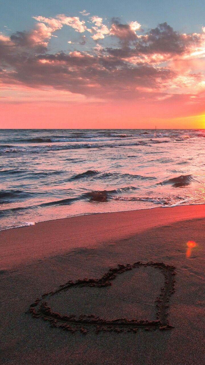 Sunset! I love sunsets…they are very beautiful. Whenever I see a sunset I'… – Felisha Ogechi