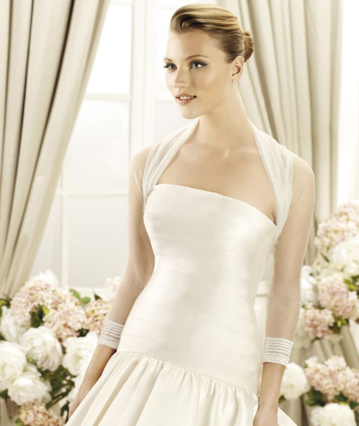 Chaqueta sheer tulle bridal top veils and bridal for Cover up wedding dress