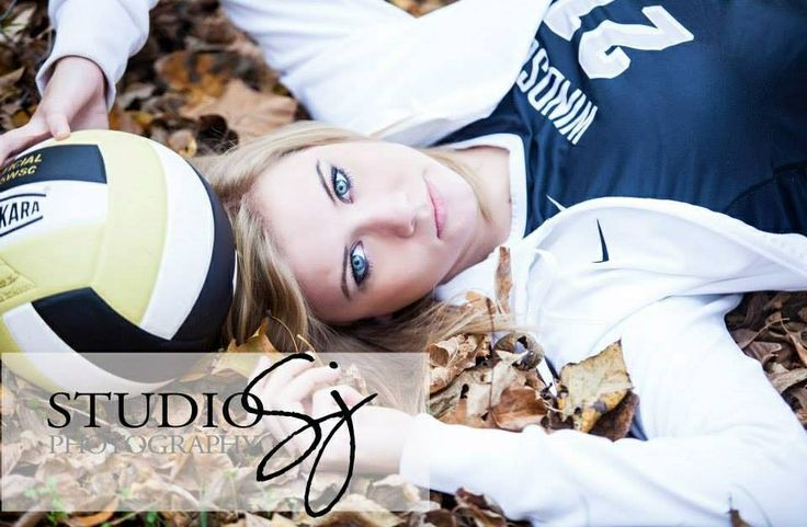 Volleyball senior picture ideas for girls. Sports senior picture ideas. #seniorpictureideas #volleyballseniorpictures #seniorpictureideasforgirls