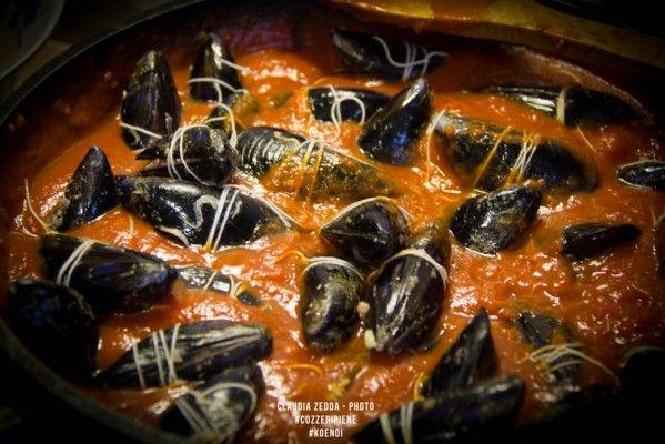 La ricetta cagliaritana delle cozze con ripieno di carne macinata   Koendi.it
