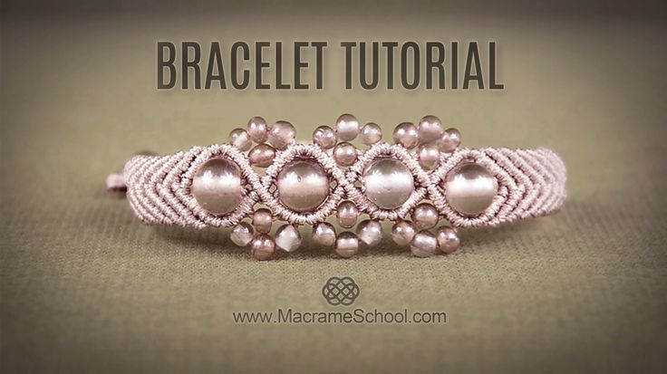 Wavy Macrame Flower Bracelet Tutorial #Bracelet #Tutorial #Boho #Macrame #Jewelry #DIY
