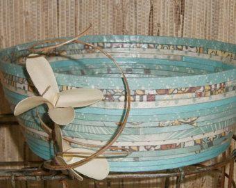 Reciclado de papel en espiral cesta recipiente Lg, tonos de Aqua y turquesa, hecho a mano