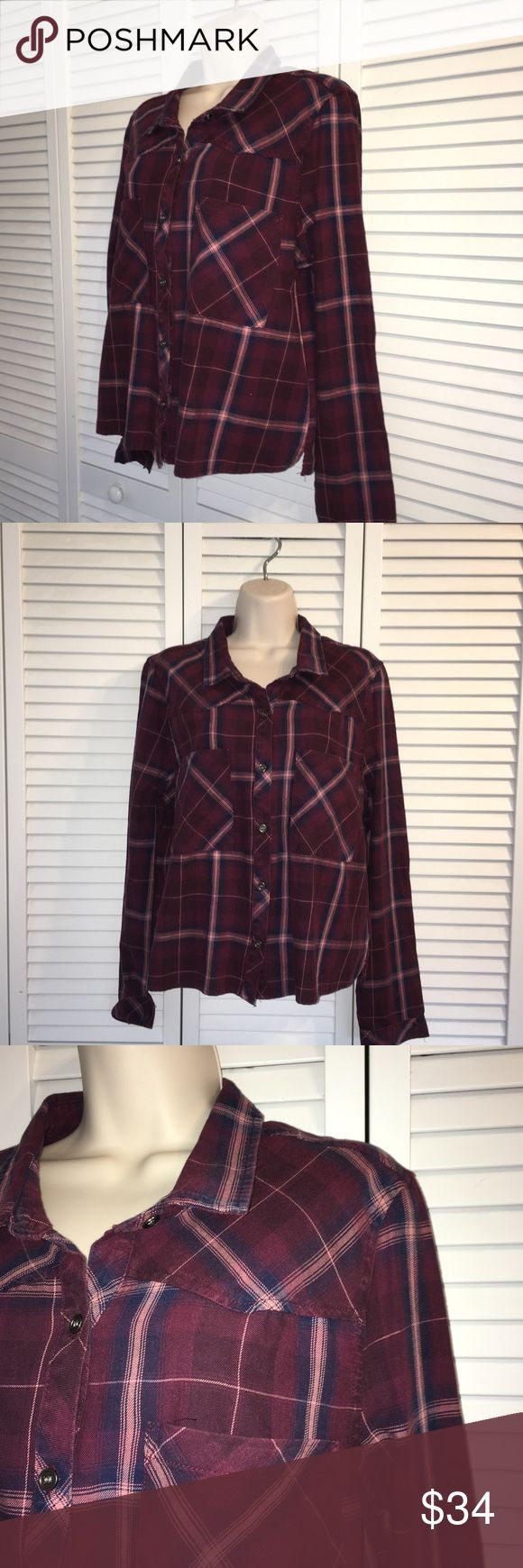 """KENSIE JEANS PLUM PLAID BUTTON UP CROP TOP NWT💕 KENSIE JEANS PLUM PLAID BUTTON UP CROP TOP WITH TWO FRONT POCKETS. 100% COTTON. MEASURES FLAT ACROSS BUST 21 1/2"""" and SHOULDER TO HEM 23"""". SUPER CUTE! NWT💕 Kensie Tops Button Down Shirts"""