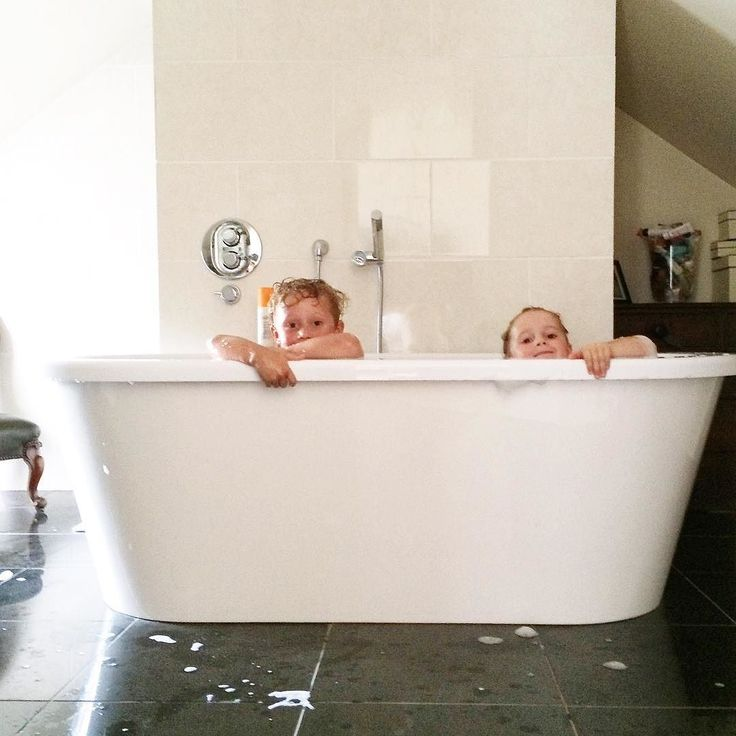 Pool Themed Bathroom: 1000+ Ideas About Foam Party On Pinterest