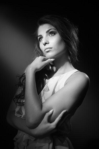 Stina Sanders beauty photography by Damien Lovegrove