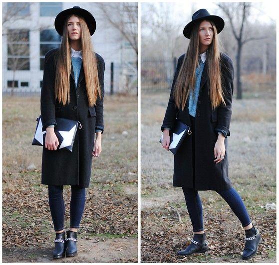 Claudia Sträter Coat Longline Coat, Marks&Spencer Sweater, Oasap Hat, Bershka High Waist Jeans, Oasap Clutch, Zara Boots, Oasap Rings