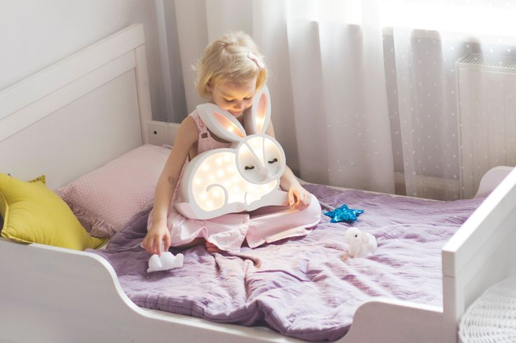 💫 Natti natt säger vi med finaste kaninlamporna ! 🐰    #barnrum #kidsroom #barnrumsinredning #kidsdecor ⠀ #finabarnsaker #kidsinterior #kidsdesign #kidsperation #barneroom #inspirationforpojkar #kidsinspo #kidsdeco⠀ #nordickidsliving #kidsperation #myroom #barn #exklusiv #baby #inspirationforflickor #barnruminspo #barnrumsdetaljer #barnrumsinspiration #finahem #finabarnsaker #barnerum #mittbarnerom