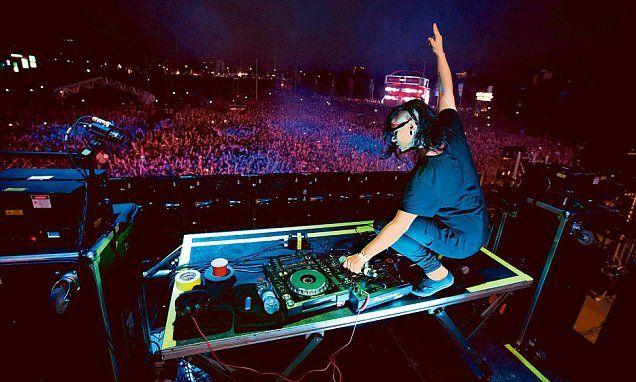 Aanchal Arora suffocates at DJ Skrillex concert in  Indian nightclub | Daily Mail Online