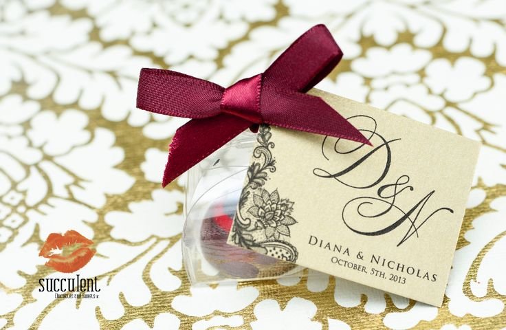 Custom box of one bonbon event favor.