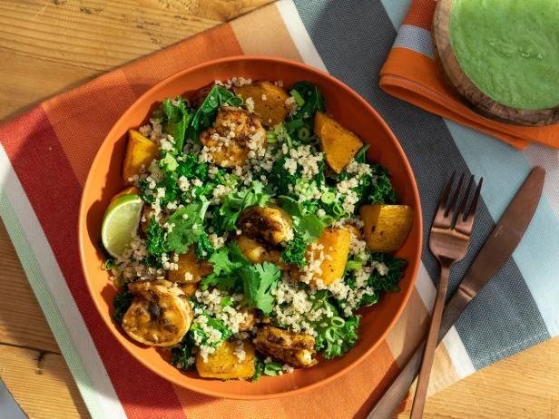 Tex Mex Shrimp und Squash Grain Bowl mit Avocado Dressing   – Food