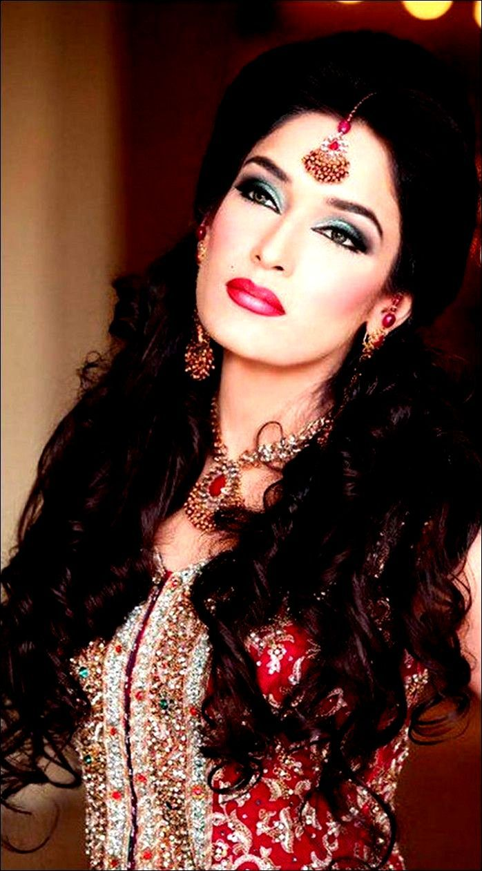 Www Indian Wedding Hairstyle Com Www Indian Wedding Hairstyle Com Www Indian Wedding Hairstyle Com In 2020 Indian Wedding Hairstyles Business Hairstyles Hair Styles
