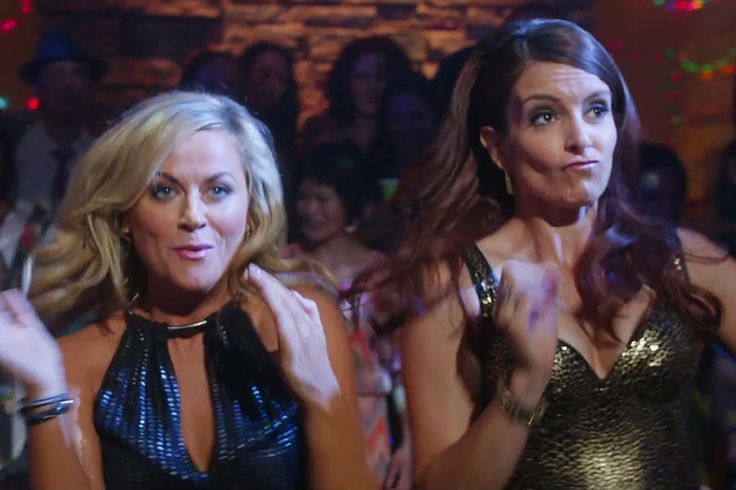 Tina Fey and Amy Poehler Throw a Rager in New Sisters Trailer ...