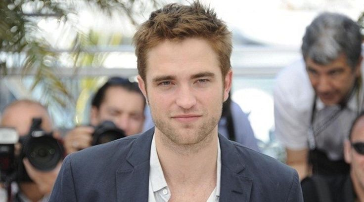 Full Name Robert Douglas Thomas Pattinson   Date of birth 13 May 1986   Birth place  London, United Kingdom   Nationality United Kingdom   Source of wealth Actor   Last year income $6.